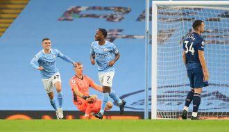Man City đánh bại Arsenal nhờ bàn thắng duy nhất của Raheem Sterling