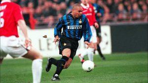 Ronaldo De Lima - Tiền đạo xuất sắc nhất và hiện thân bóng đá thuần túy