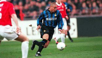 """Ronaldo De Lima - Tiền đạo xuất sắc nhất mọi thời đại và là hiện thân """"bóng đá"""" thuần túy"""
